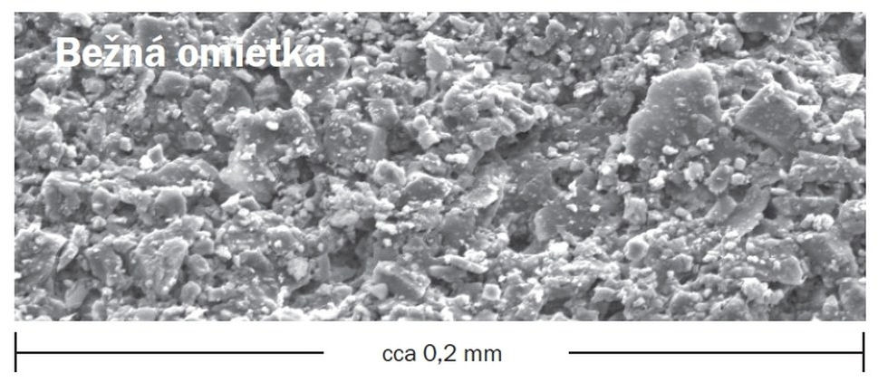 Bežná štruktúra omietky pod mikroskopom